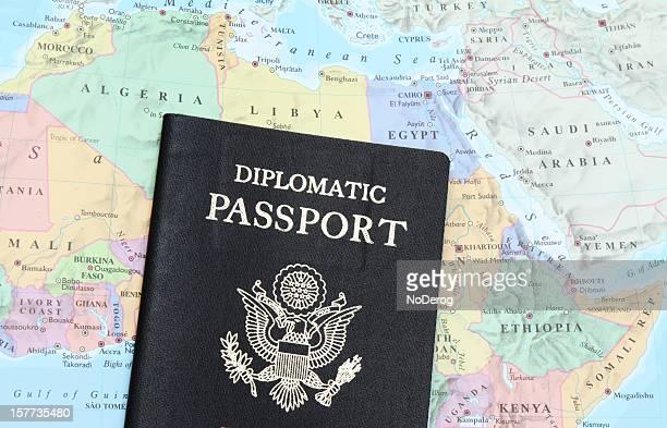 diplomatic passaporto del nord africa e medio oriente - riad foto e immagini stock
