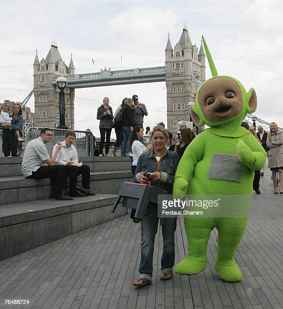 Dipsy is lead in at the Teletubbies 10th anniversary celebration September 3 2007 in LondonEngland