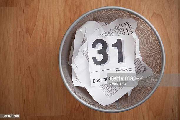 directly above of wastepaper basket with calendar card - number 31 stock pictures, royalty-free photos & images