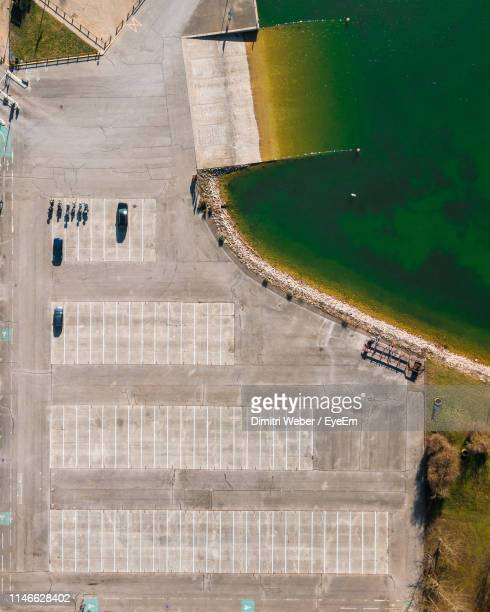 directly above parking lot by sea in city - troyes champagne ardenne photos et images de collection