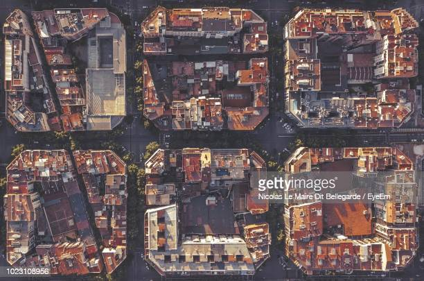 directly above shot of buildings in town - barcelona fotografías e imágenes de stock