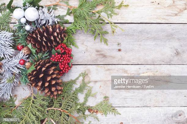 directly above shot of christmas decorations - pinecone stock pictures, royalty-free photos & images
