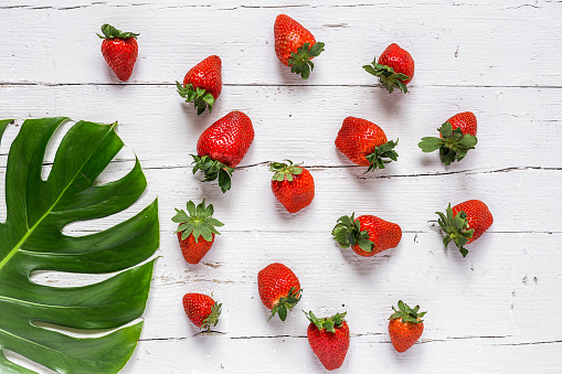 Directly Above Shot Of Strawberries On White Table - gettyimageskorea