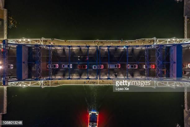 directly above view of bridge - liyao xie stockfoto's en -beelden