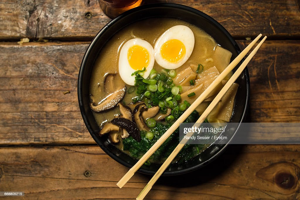 Directly Above View Of Fresh Ramen Noodles Served With Chopsticks On Table : Stock Photo