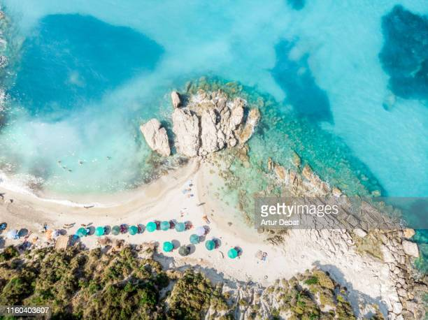 directly above view of idyllic beach in the island of zakynthos. - islas griegas fotografías e imágenes de stock