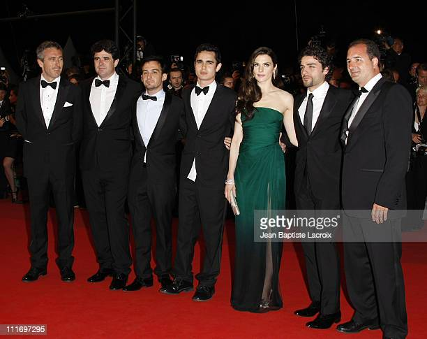 Director Alejandro Amenabar actors Max Minghella Rachel Weisz and Oscar Isaac attend the 'Agora' Premiere at the Grand Theatre Lumiere during the...