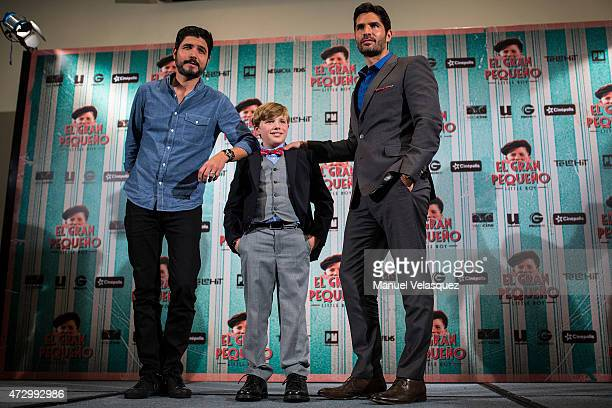 Director Alejandro Monteverde actor Jakob Salvati and producer Eduardo Verastegui pose for pictures during a press conference to present 'Little Boy'...