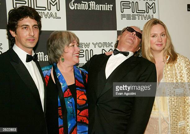Director Alexander Payne Kathy Bates Jack Nicholson and Hope Davis at the 40th New York Film Festival opening night About Schmidt premiere at Avery...