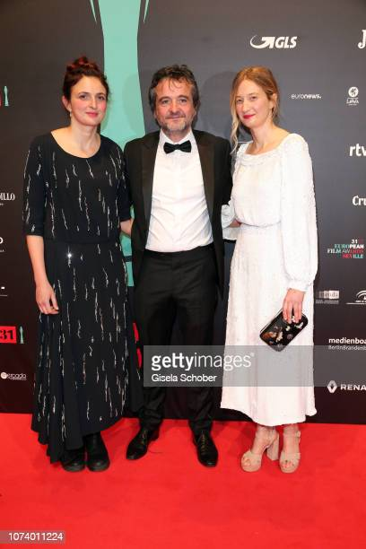 Director Alice Rohrwacher Producer Carlo CrestoDina and Alba Rohrwacher during the European Film Awards at Teatro de la Maestranza on December 15...