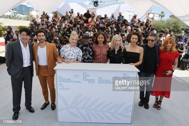 Director and Jury President of the 74th Cannes Film Festival Spike Lee poses with members of the Jury of the Official Selection South Korean actor...