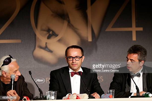 Director and screenwriter Andrei Zvyagintsev winner of the Best Screenplay for his film 'Leviathan'attends the Palme D'Or Winners press conference at...