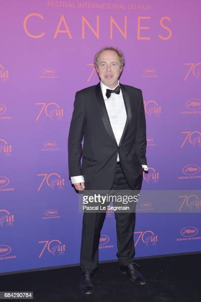Director Arnaud Desplechin attends the Opening Gala Dinner during the 70th annual Cannes Film Festival at Palais des Festivals on May 17 2017 in...