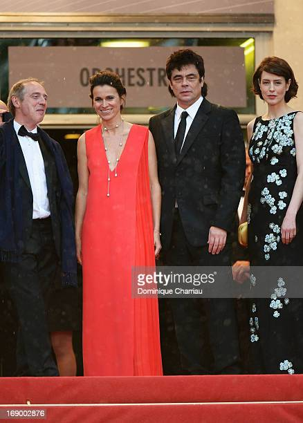 Director Arnaud Desplechin French Culture minister Aurelie Filippetti actor Benicio del Toro and actress Gina McKee attend the Premiere of 'Jimmy P '...