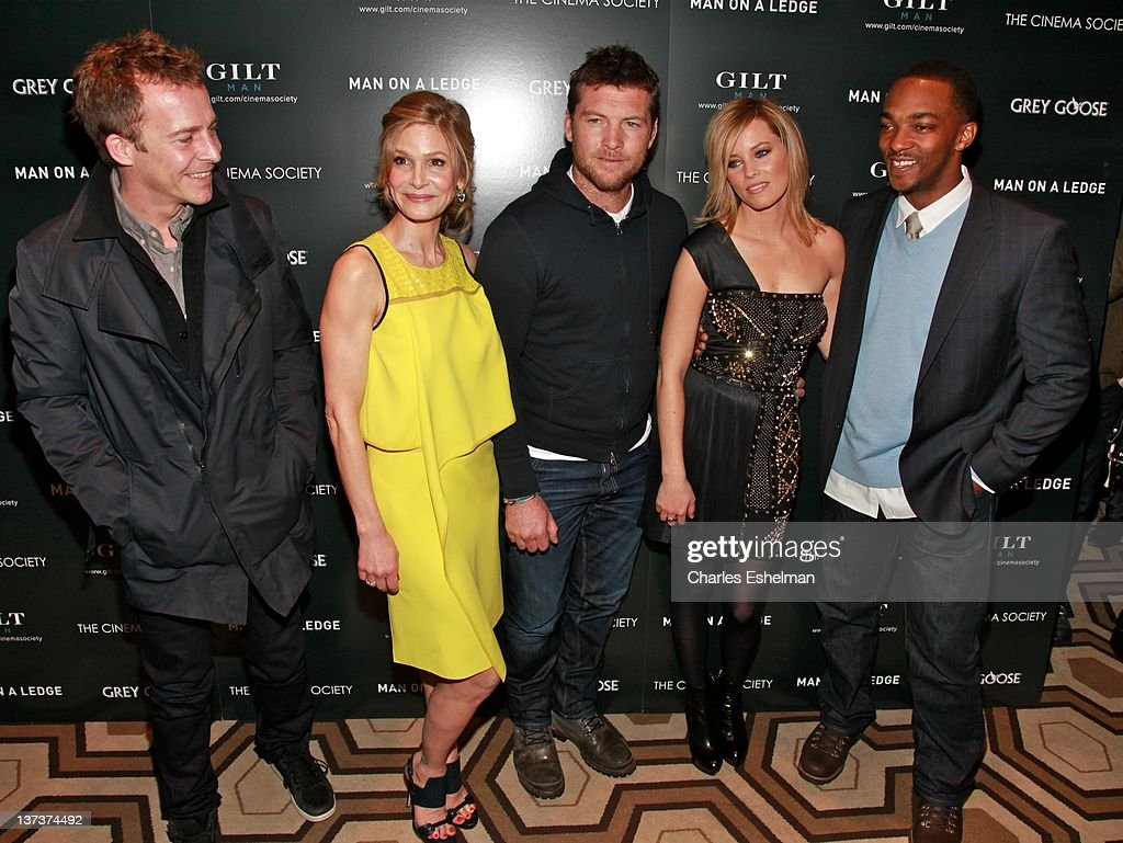"""The Cinema Society & Gilt Man With Grey Goose Host A Screening Of """"Man On A Ledge"""" - Inside Arrivals : News Photo"""