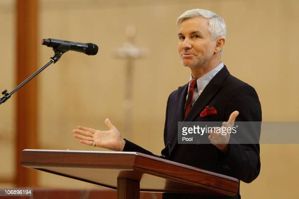 Director Baz Luhrman speaks at the funeral Mass for Italian film mogul and Hollywood producer Dino De Laurentiis at the Cathedral of Our Lady of the...