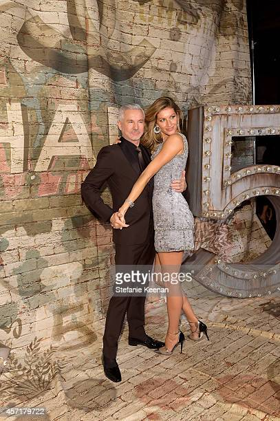 Director Baz Luhrmann and model Gisele Bündchen attend the CHANEL Dinner Celebrating N°5 THE FILM by Baz Luhrmann on October 13 2014 in New York City