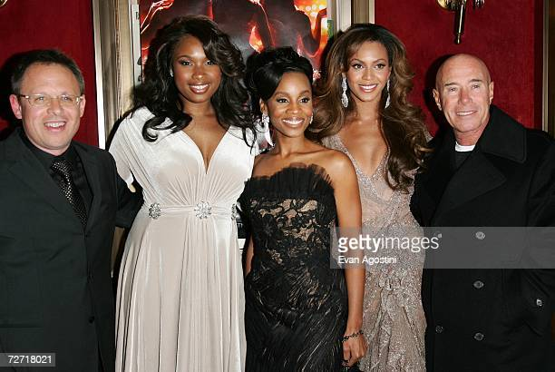 Director Bill Condon actors Jennifer Hudson Anika Noni Rose Beyonce Knowles and producer David Geffen attend the Dreamgirls premiere presented by...