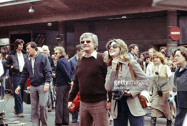 US director Blake Edwards and Lynne Frederick wife of US actor Peter sellers are pictured on the filming of the Revenge of the Pink Panthers on April...