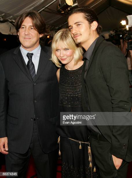 """Director Cameron Crowe, actress Kirsten Dunst and actor Orlando Bloom attend the gala premiere of """"Elizabethtown"""" at Roy Thomson Hall during the 2005..."""