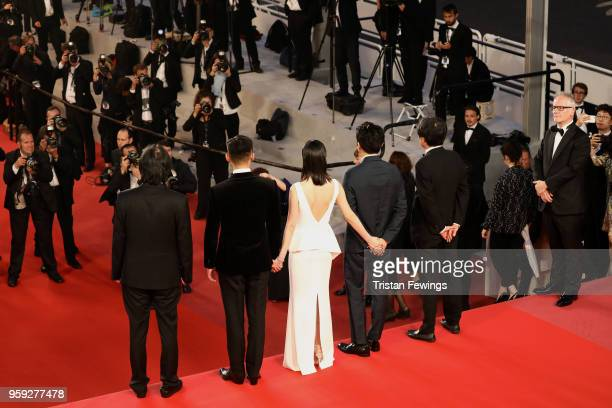 Director Changdong Lee actor Ahin Yoo actress Jongseo Jeon actor Steven Yeun Executive producer Jundong Lee and Cannes Film Festival Director Thierry...