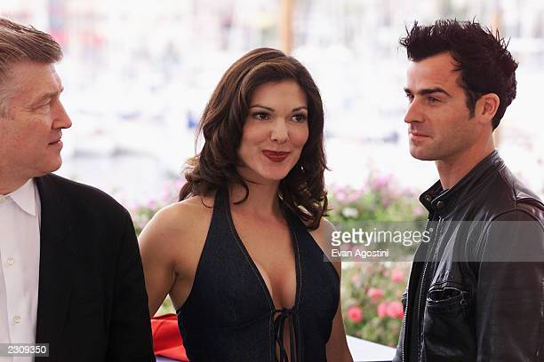 Director David Lynch Laura Elena Harring and Justin Theroux at the photo call for the film 'Mulholland Drive' during the 54th Cannes Film Festival in...