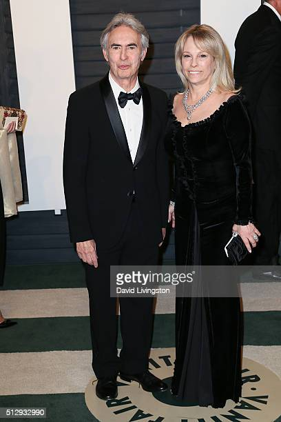 Director David Steinberg and actress Robyn Todd Steinberg arrive at the 2016 Vanity Fair Oscar Party Hosted by Graydon Carter at the Wallis Annenberg...