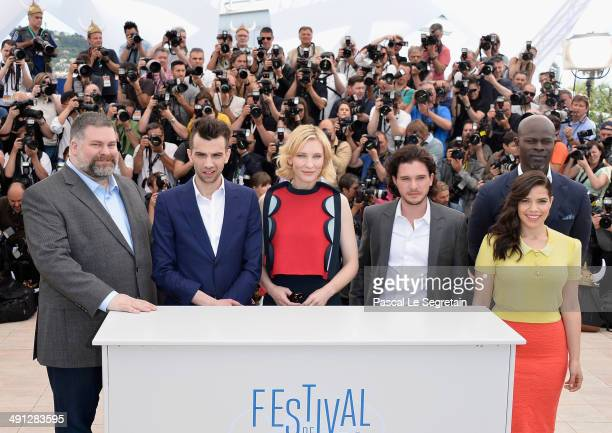 Director Dean DeBlois actors Jay Baruchel Cate Blanchett Kit Harington America Ferrera and Djimon Hounsou attend the How To Train Your Dragon 2...