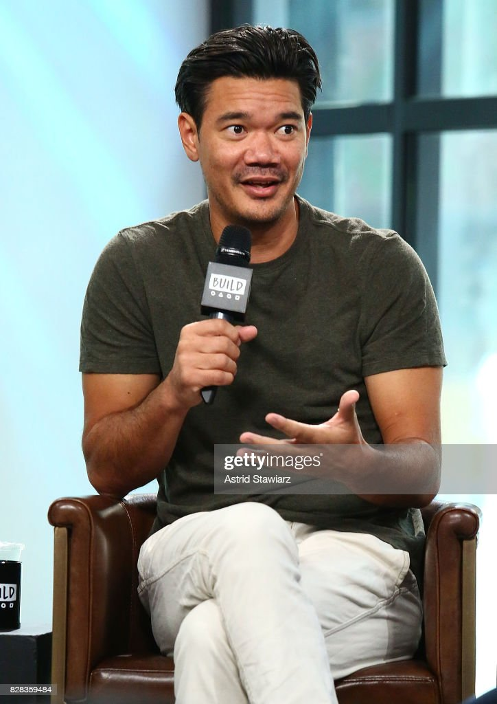 Build Presents Destin Daniel Cretton And Max Greenfield Discussing Their New Film 'The Glass Castle' : Nieuwsfoto's