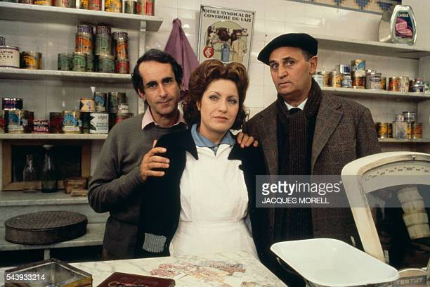 Director Edouard Molinaro actress Andréa Ferréol and the actor Roger Hanin during the filming of 'Au bon Beurre'