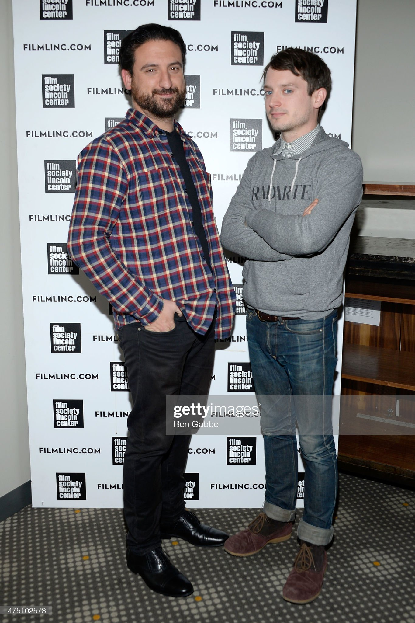 ¿Cuánto mide Eugenio Mira? - Altura Director-eugenio-mira-and-actor-elijah-wood-attend-the-film-society-picture-id475102573?s=2048x2048