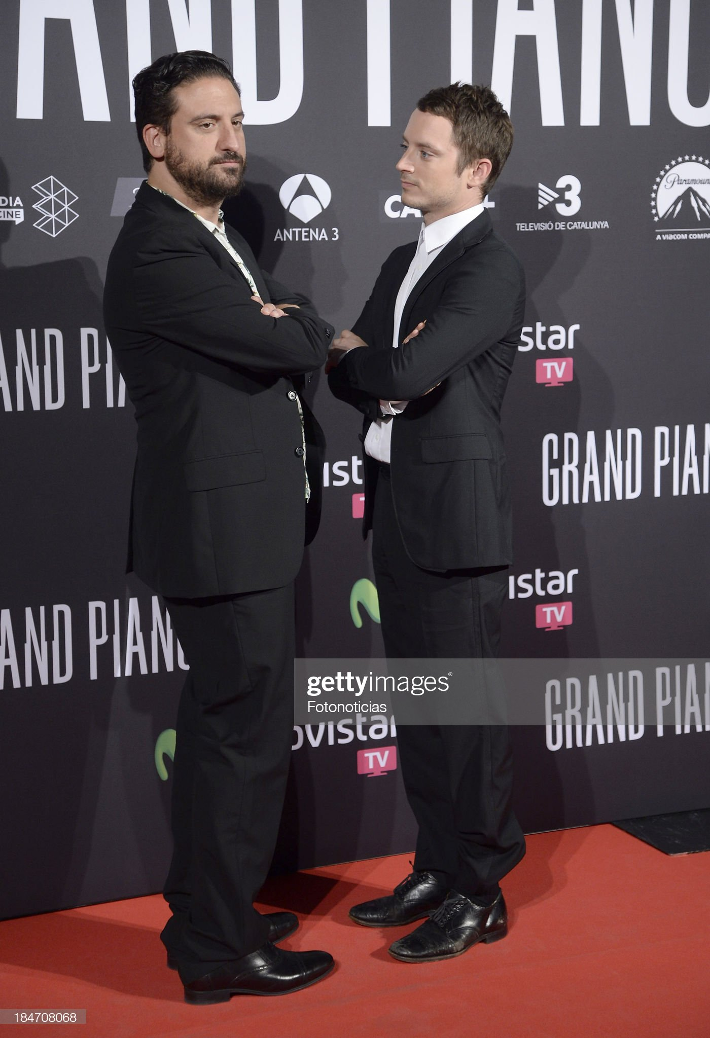 ¿Cuánto mide Eugenio Mira? - Altura Director-eugenio-mira-and-actor-elijah-wood-attend-the-premiere-of-picture-id184708068?s=2048x2048