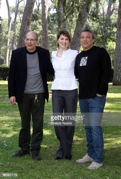 Director Felice Farina Paola Cortellesi and Claudio Amendola attend the 'La Fisica Dell' Acqua' photocall at La Casa Del Cinema on April 21 2010 in...