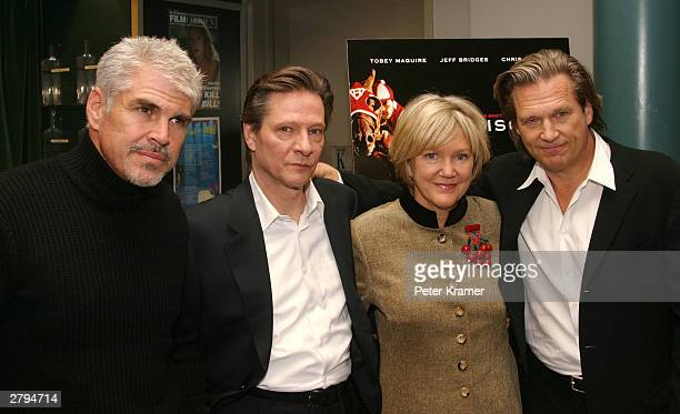 Director Gary Ross actor Chris Cooper head of Lincoln Center Wendy Keys and actor Jeff Bridges at An Evening With Jeff Bridges photographs from The...