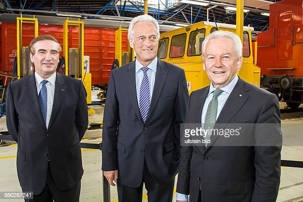 UIC Director General JeanPierre Loubinoux German Transport Minister Peter Ramsauer and Dr Rüdiger Grube CEO of Deutsche Bahn at the presentation of...