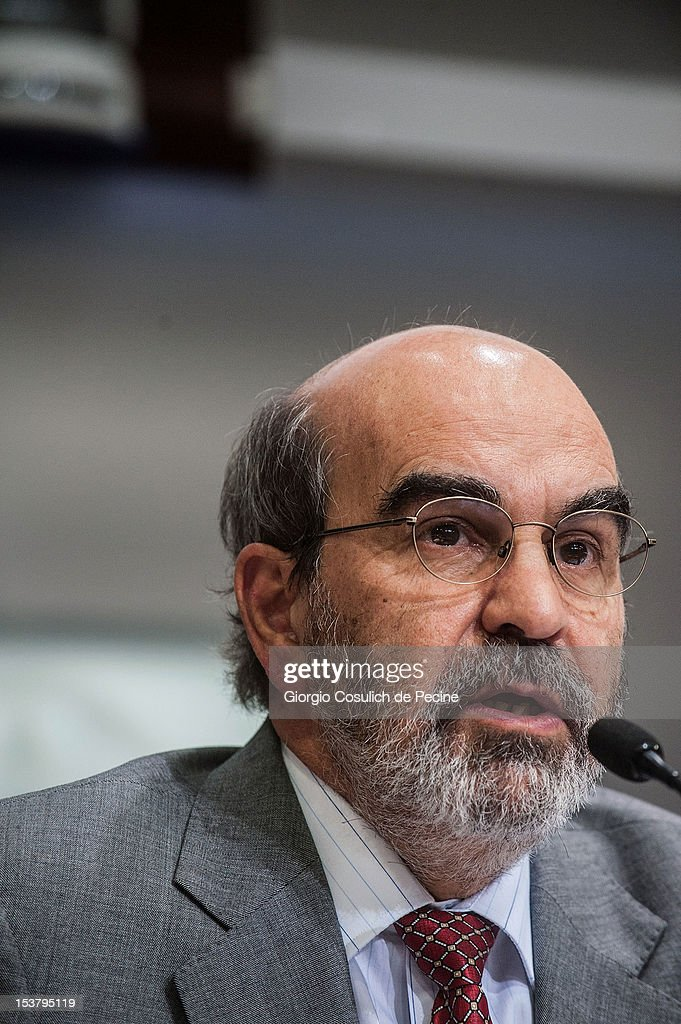 Director General of FAO, Jose Graziano Da Silva talks during a press conference for the presentation of the new hunger report 2012, at the FAO headquarters on October 9, 2012 in Rome, Italy. In the the latest report on food insecurity, the UN agencies estimated that 868 million people were suffering hunger in 2010-2012 with one out of every eight people in the world chronically undernourished.