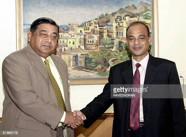 Director General of the Bangladesh Rifles , Major General Jahangir Alam Chowdhury shake hands with Director General of Indian Border Security Forces...