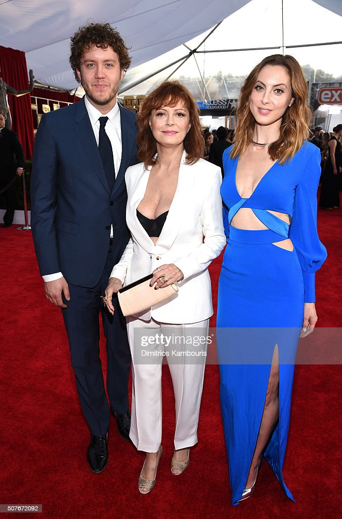 Director Jack Henry Robbins, actress Susan Sarandon, and actress Eva Amurri attend The 22nd Annual Screen Actors Guild Awards at The Shrine Auditorium on January 30, 2016 in Los Angeles, California. 25650_013