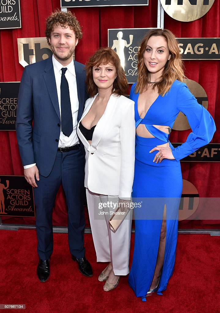 Director Jack Robbins and actresses Susan Sarandon and Eva Amurri attend the 22nd Annual Screen Actors Guild Awards at The Shrine Auditorium on January 30, 2016 in Los Angeles, California.