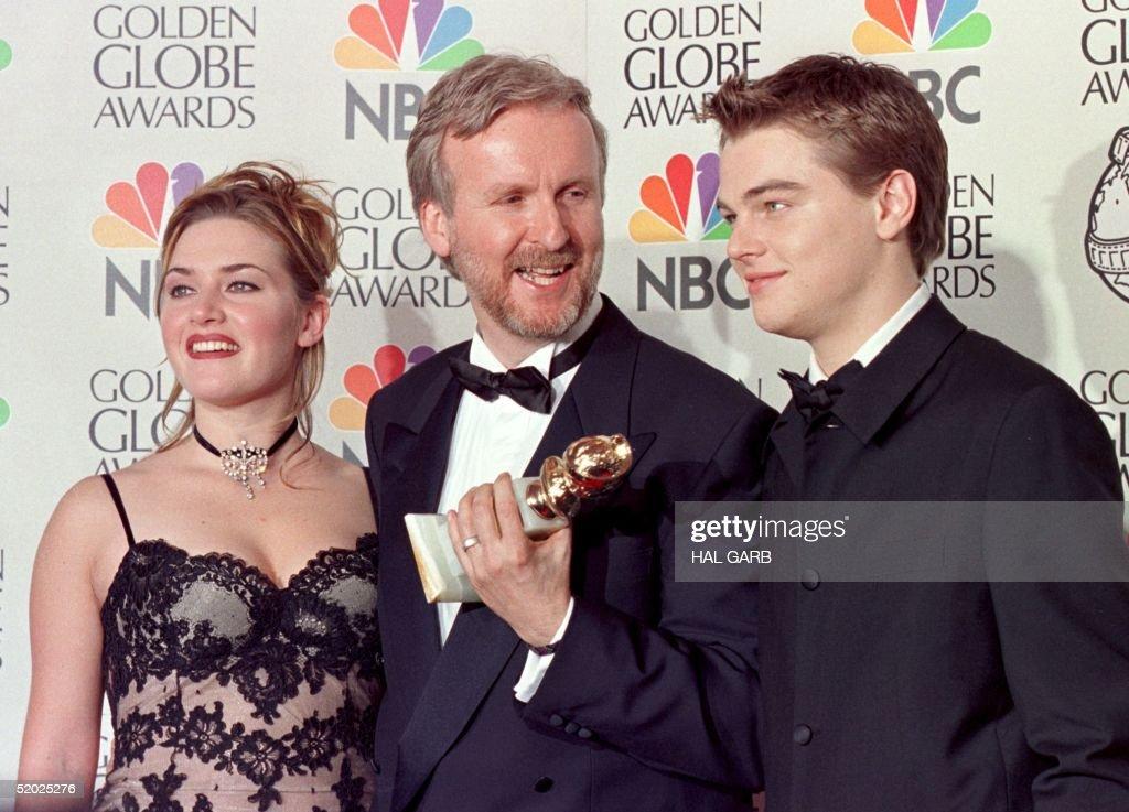 Director James Cameron(C) and actress Kate Winslet : News Photo