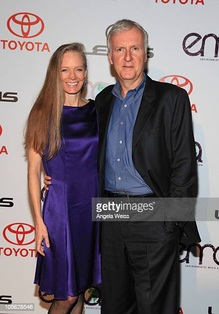 Director James Cameron and his wife Suzy Amis Cameron arrive at the 2010 Environmental Media Awards at Warner Bros Studios on October 16 2010 in...