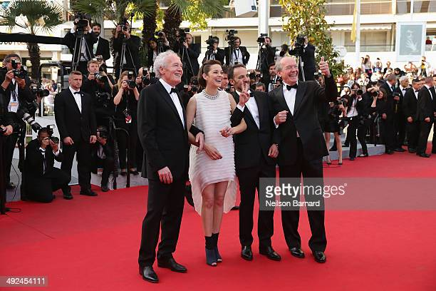 Director JeanPierre Dardenne actors Marion Cotillard Fabrizio Rongione and director Luc Dardenne attend the 'Two Days One Night' premiere during the...