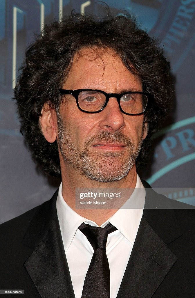 25th Annual American Society Of Cinematographers (ASC) Awards - Show : News Photo