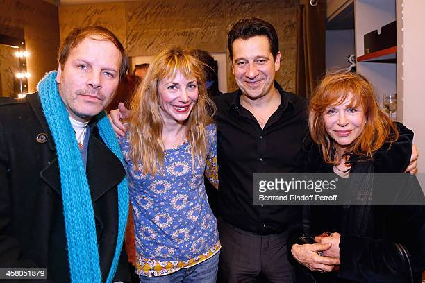 Director Julie Depardieu her companion singer Philippe Katerine her mother Elisabeth Depardieu and Laurent Gerra pose backstage following the show of...