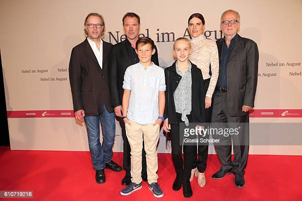Director Kai Wessel Sebastian Koch Ivo Pietzcker Jule Hermann Fritzi Haberlandt and producer Ulrich Limmer during the premiere of the film 'Nebel im...