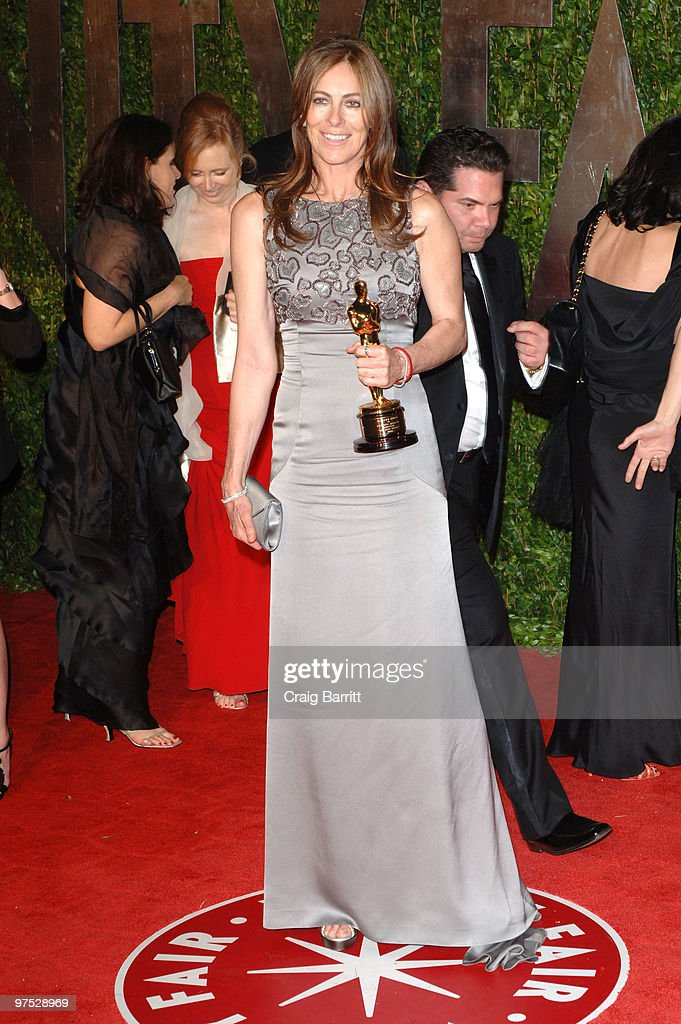 2010 Vanity Fair Oscar Party Hosted By Graydon Carter - Arrivals : News Photo