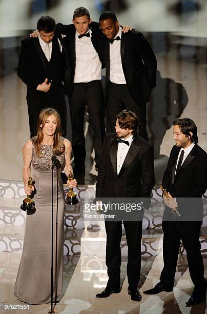 Director Kathryn Bigelow screenwriter Mark Boal and producer Greg Shapiro and actors Jeremy Renner Brian Geraghty and Anthony Mackie accept Best...