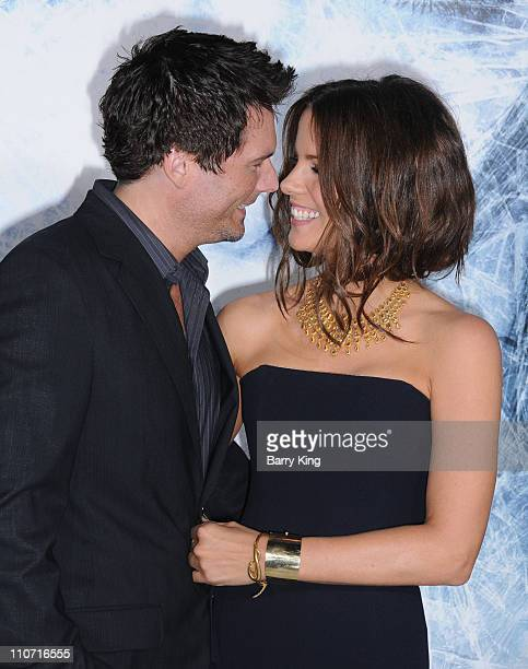 Director Len Wiseman and actress Kate Beckinsale arrive to the Los Angeles Premiere Whiteout at the Mann Village Theatre on September 9 2009 in...
