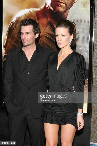 Director Len Wiseman and wife Kate Beckinsale at the premiere of 'Live Free or Die Hard' in New York City
