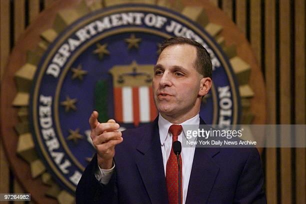 fbi agent robert hanssen Surveillance video taken of the arrest of former american fbi agent robert hanssen near his home in 2001 hanssen had spied for soviet and russian intelligence services for twenty-two years.